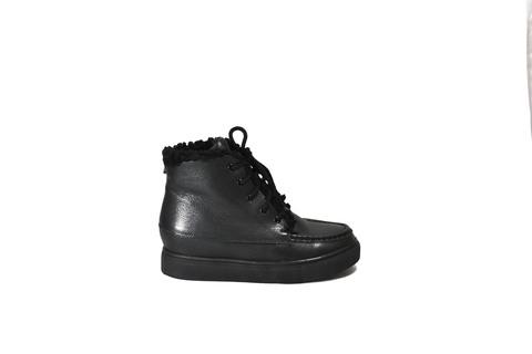Черные кожаные утепленные сникерсы на шнуровке