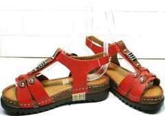 Кожаные сандалии на толстой подошве женские Comer SAR-15 Red.