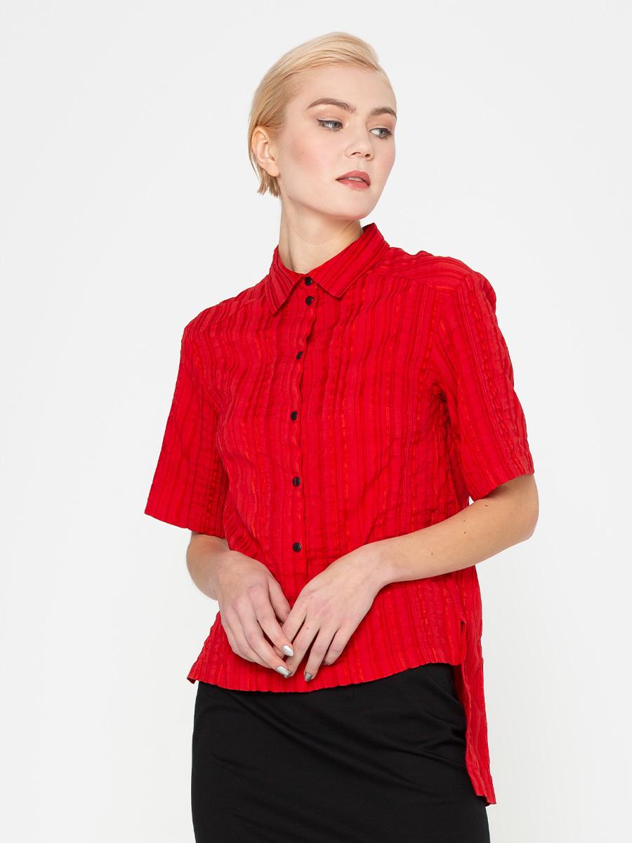 Блуза Г570-336 - Блуза прямого силуэта с аккуратным отложным воротником из фактурной ткани в полоску. Спинка значительно удлиненна относительно переда.  Прекрасно подойдет для деловых и повседневных комплектов. В стиле casual рубашку можно надевать с джинсами,  узкими юбками или шортами