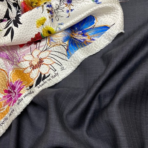 Ткань костюмно-плательная темно-серая в синюю полоску 3376