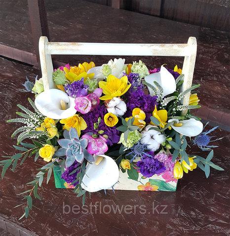 Ящик с цветами Цветной