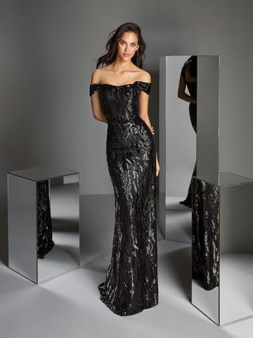 Вечернее платье классическое черное с приспущенными бретелями