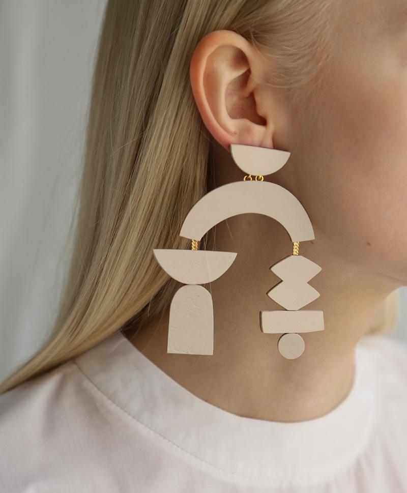 Серьги Silhouette Earrings Ecru