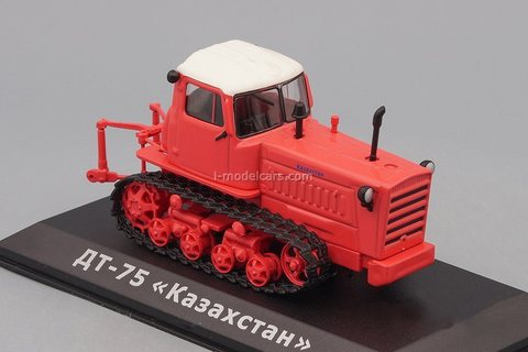 Tractor DT-75M Kazakhstan red 1:43 Hachette #138