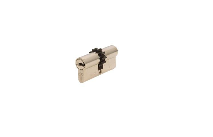 Mul-T-Lock Classic Pro Liblikaga 33x43 Rattaga südamik CR