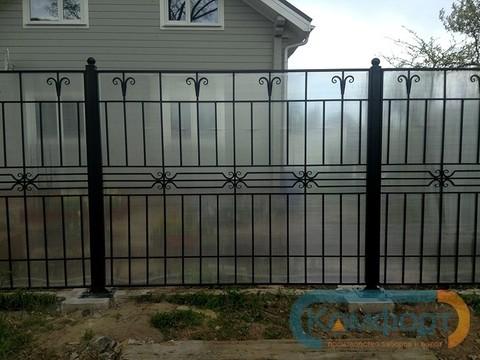 Кованый забор с поликарбонатом N-11