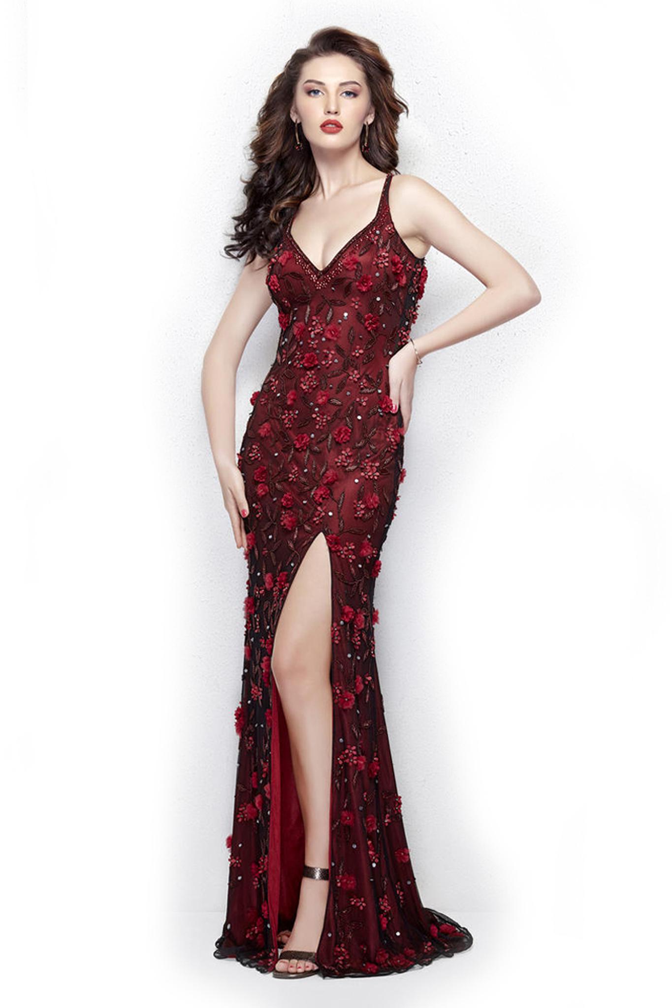 Milana 3360 Длинное,бордовое платье с высоким разрезом из блестящей ткани и украшенное вышивкой из цветов