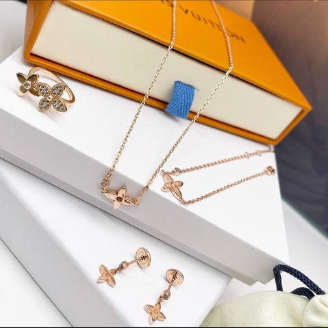 Louis Vuitton Серьги, Кольцо, Браслет и Колье
