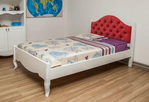 Кровать в стиле прованс с мягким изголовьем фото