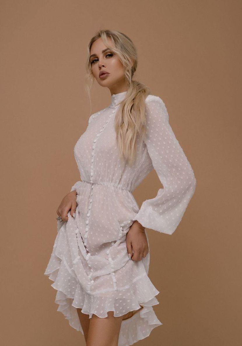 Романтическое  платье  из  шифона с длинным рукавом
