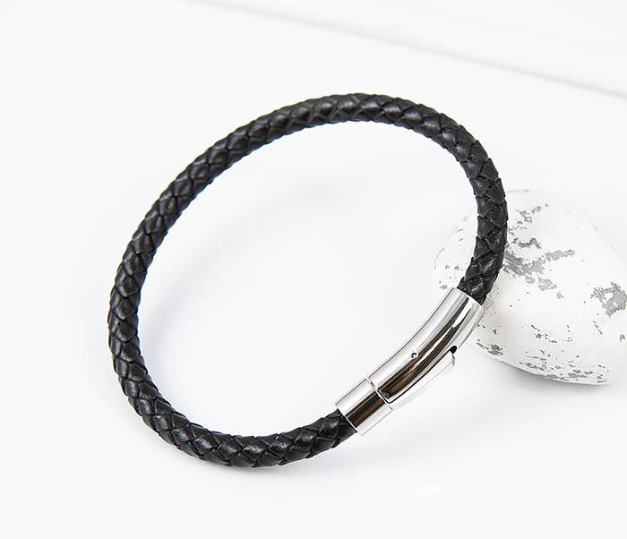 BM517-1 Браслет шнур черного цвета на застежке (20 см)