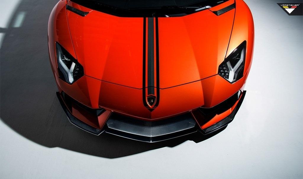 Карбоновые передние сплиттеры Vorsteiner Style для Lamborghini Aventador
