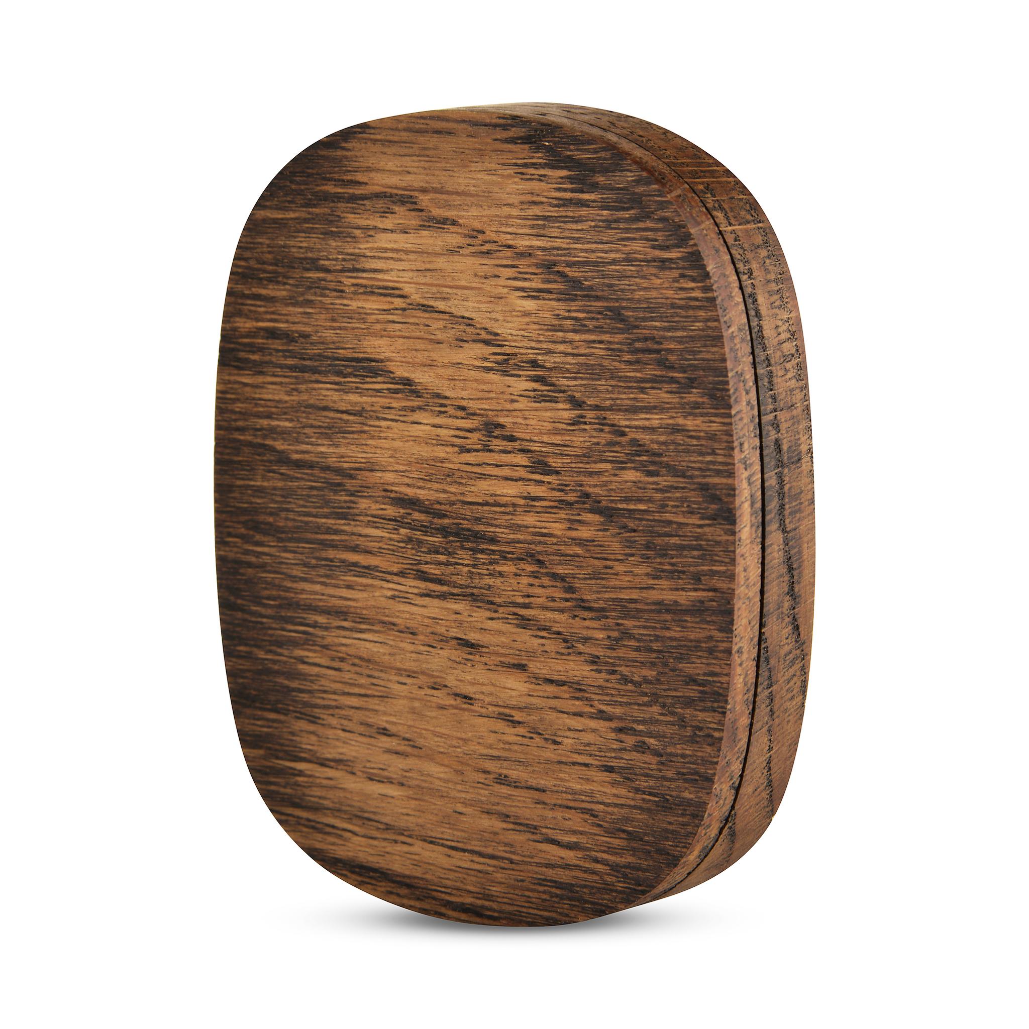 Коробочка из дуба для хранения подвески