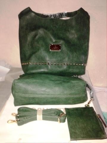 Зеленая «мешковатая» сумка из эко-кожи с дополнительным клатчем и кошельком внутри