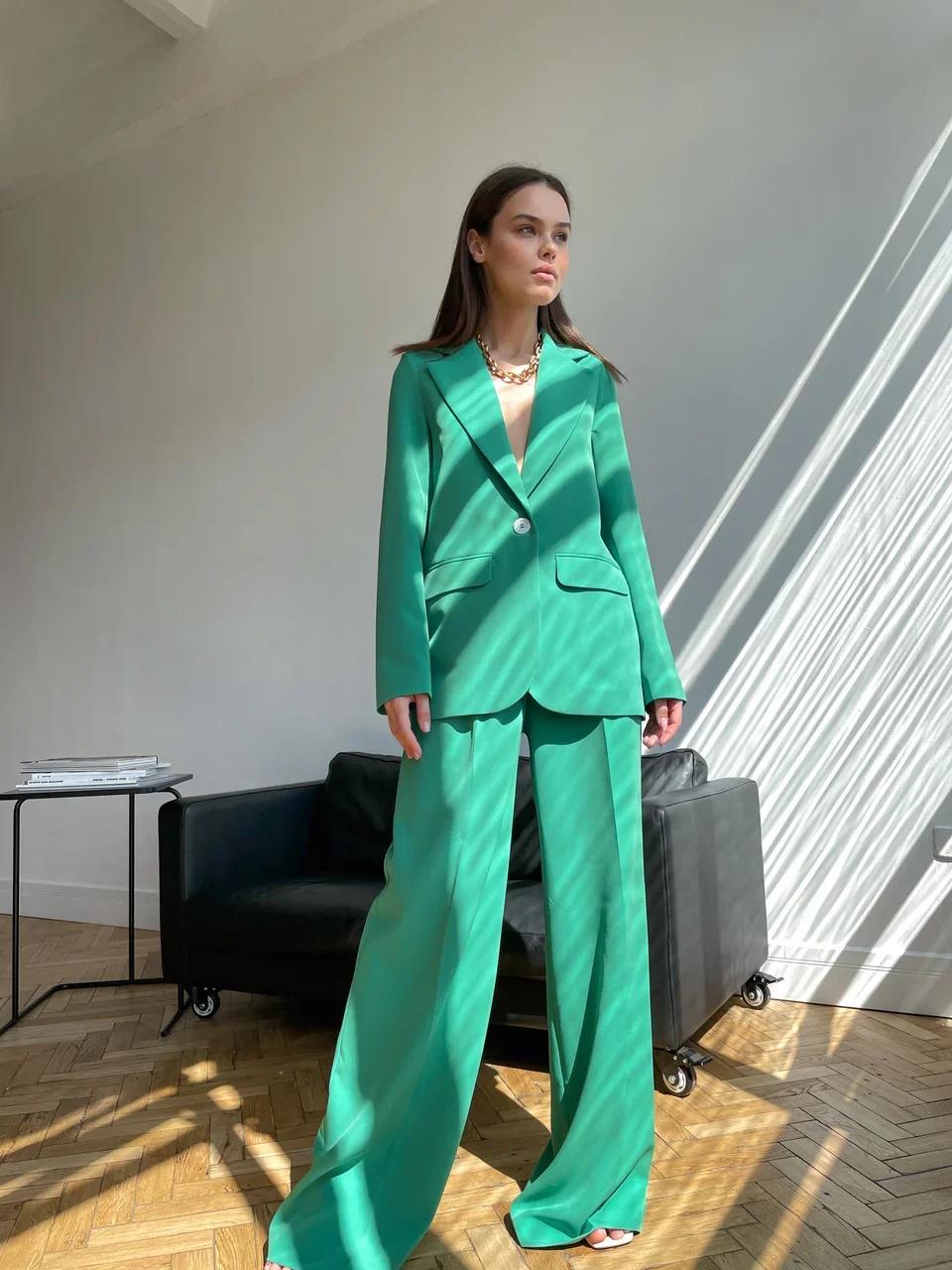 Пиджак прямой со шлицей (зеленый)