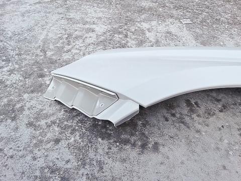 Пластиковое крыло Веста