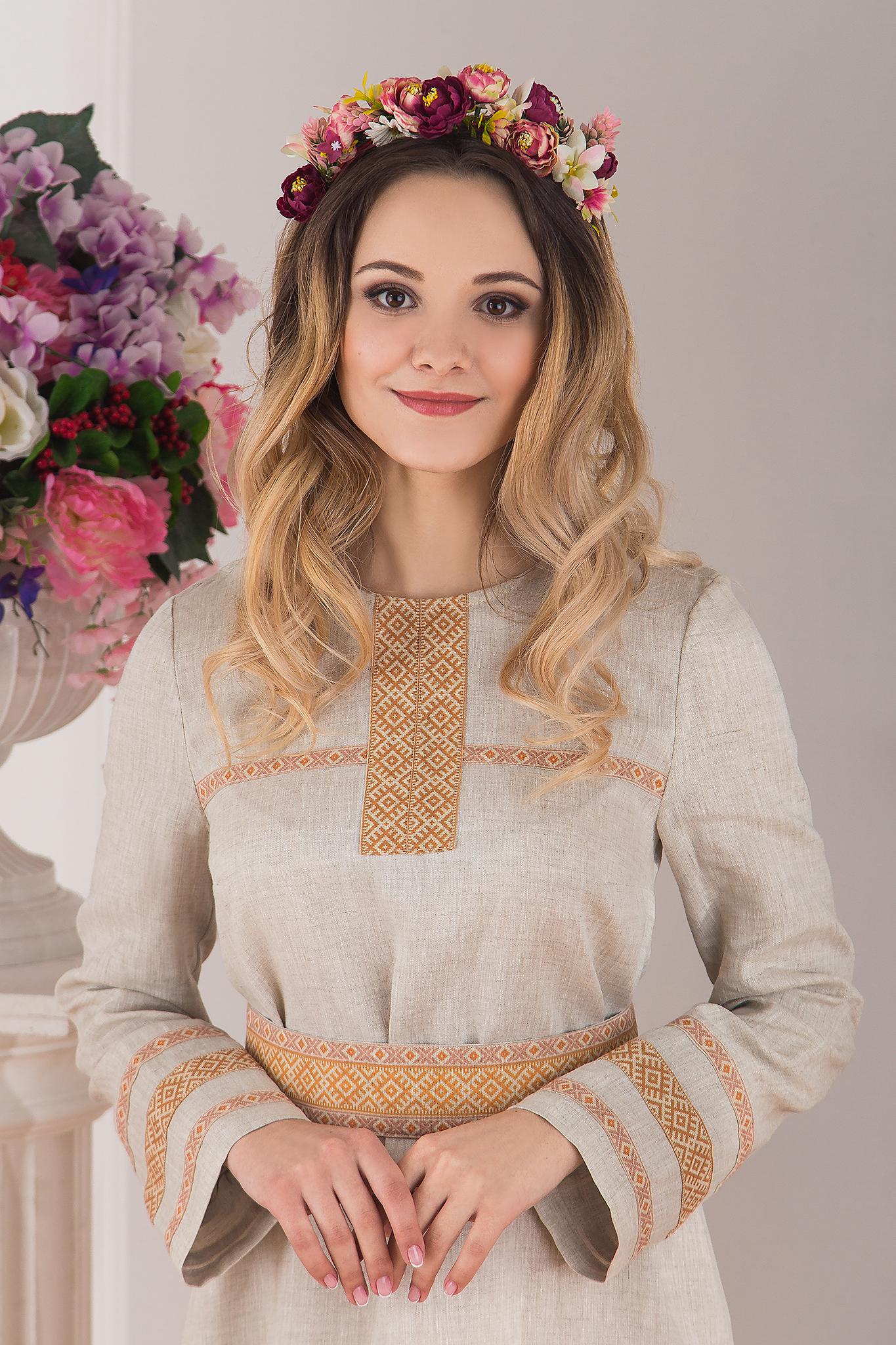 Платье льняное традиционное купить в интернет-магазине Иванка приближенный фрагмент