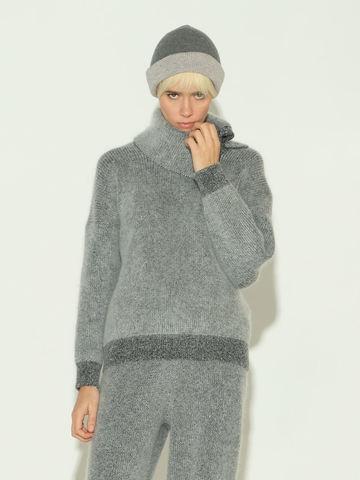 Женский свитер серого цвета из мохера и кашемира - фото 2