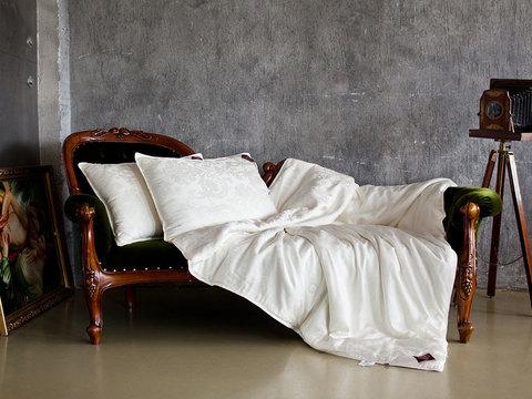 Одеяло шелковое стеганое 220x240 «Luxury Silk Grass» легкое