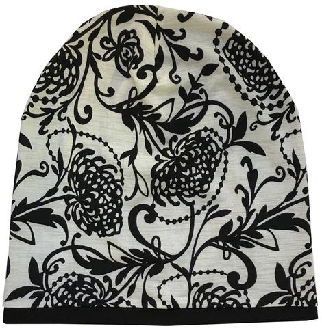 Женская шапочка бини с цветочным орнаментом