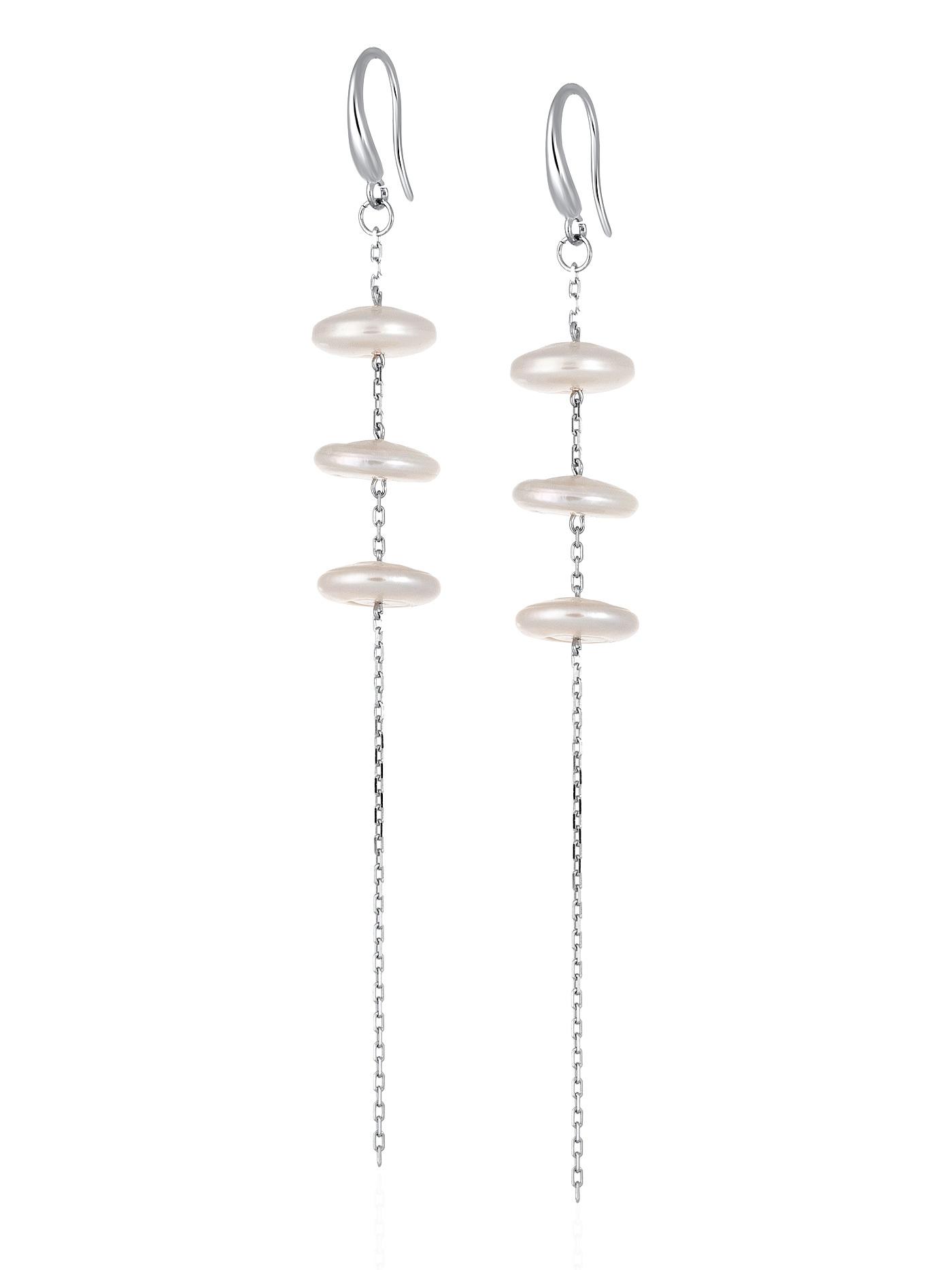 Серебряные длинные вечерние серьги с белым барочным жемчугом в подарочной коробке