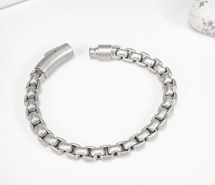 BM579-2 Серебристый браслет из стали с матовым покрытием (21,5 см) фото 02