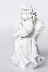 Декоративная статуэтка. Ангел в молитве.