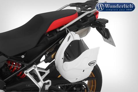 Система безопасного хранения шлемов на мотоцикле