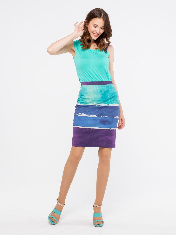 Юбка Б027-118 - Прямая юбка из плотного хлопка. Застежка сзади на молнию и пуговицу. Яркая расцветка, длина и крой отлично подойдут для летнего гардероба