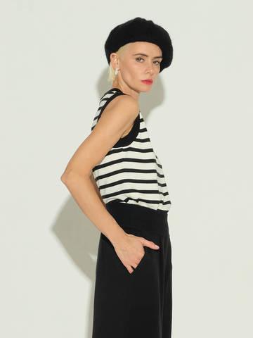 Женский свитер без рукавов в черно-молочную полоску из шелка и кашемира - фото 4
