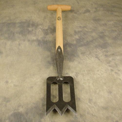 Лопата средних размеров для работы с кустарником и посадки цветов DeWit