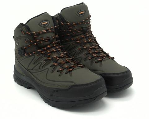 Зимние зеленые кроссовки с контрастными шнурками