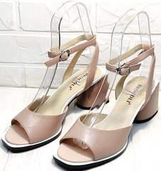 Летние босоножки на каблуке 7 см. Женские босоножки кожаные Brocoli B18900N-5454 Beige.