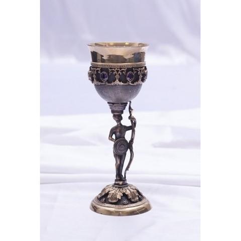 Кубок «Стражница» с камнями, позолоченный