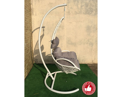 Подвесное кресло из ротанга Грация белое