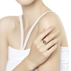 7010048 - Кольцо из золота с бесцветными и чёрными бриллиантами
