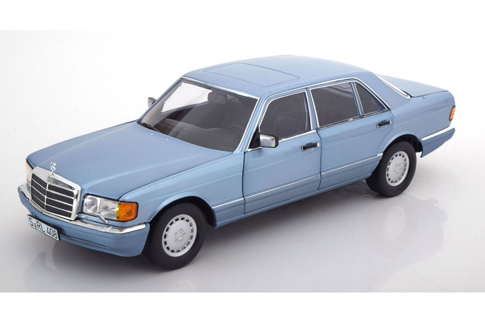 Коллекционная модель Mercedes-Benz W126 560 SEL 1991 PEARL BLUE METALLIC