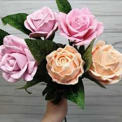 Стебель с 3 листьями розы
