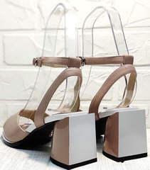Пудровые босоножки на каблуке. Женские босоножки на широком каблуке 7 см Brocoli B18900N-5454 Beige.