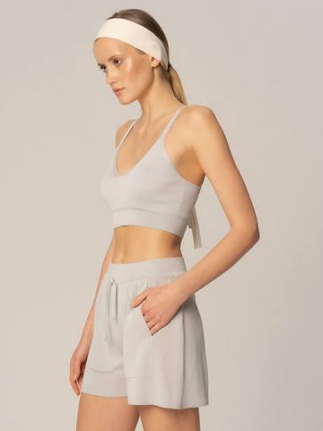 Женские шорты светло-серого цвета из вискозы - фото 4