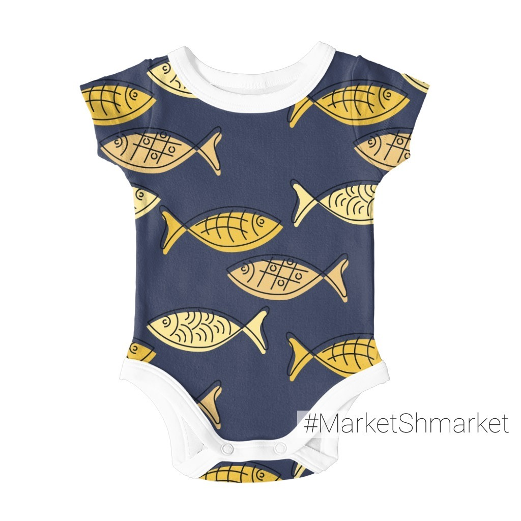 Рыбы в море