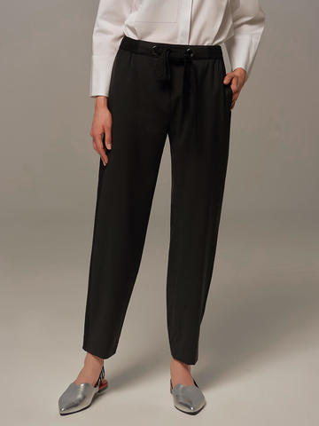 Женские брюки черного цвета с лампасами - фото 4