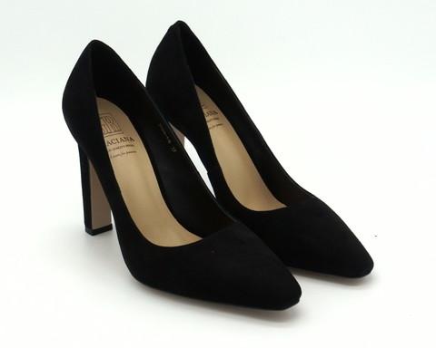 Черные туфли из натурального велюра с неоклассическим мыском