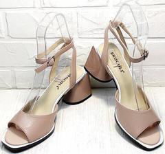 Красивые босоножки на каблуке 7 см. Босоножки женские кожаные Brocoli B18900N-5454 Beige.