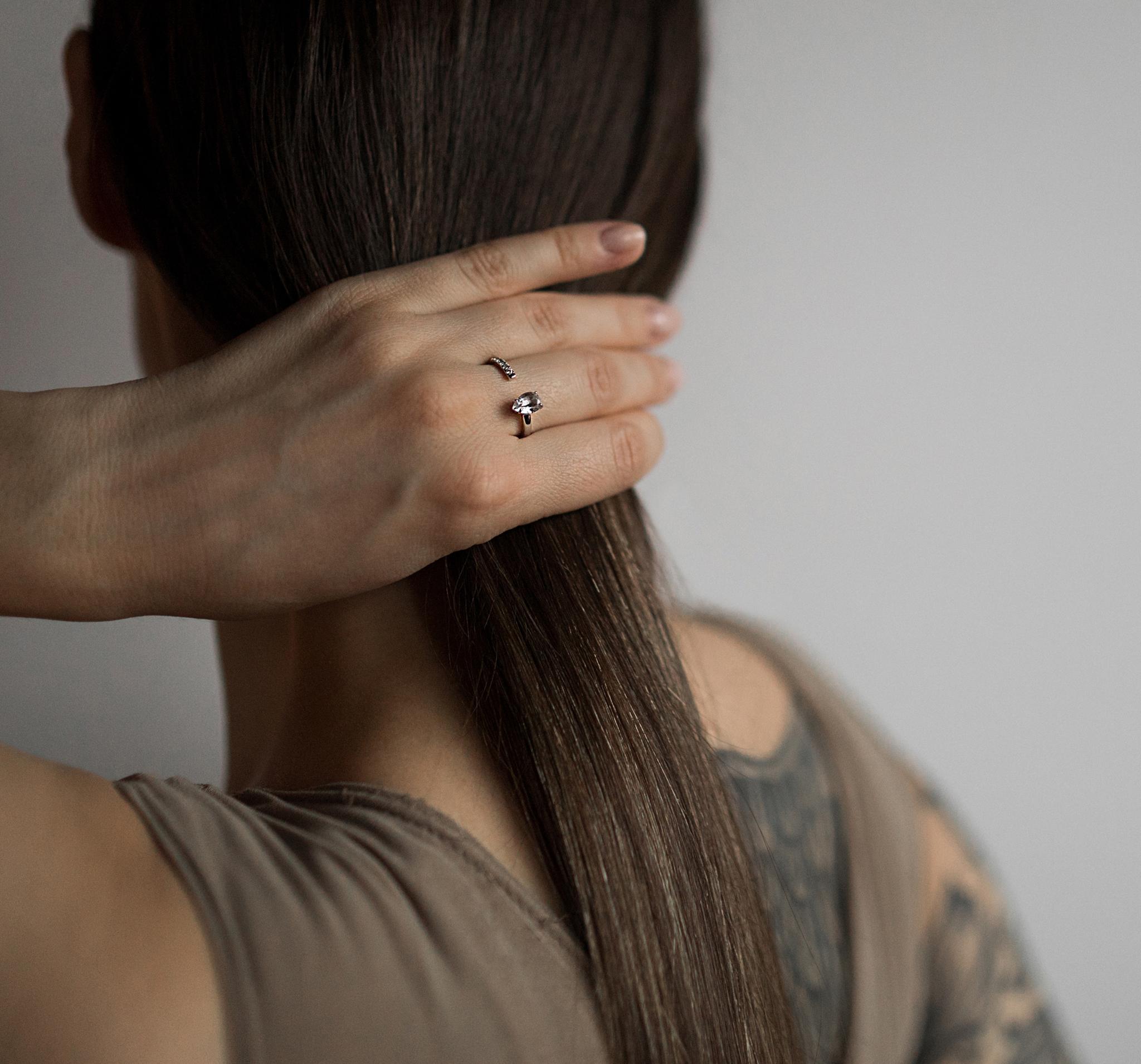 Изящное кольцо с горным хрусталем и цирконами от ALL OVER