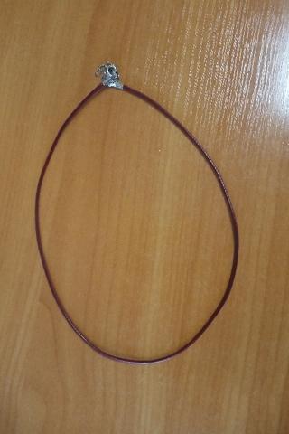 Шнурок 45 см бордовый