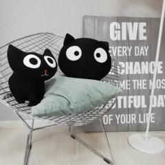 Подушка декоративная Gekoko «Трансформер-подголовник Черный кот» 4