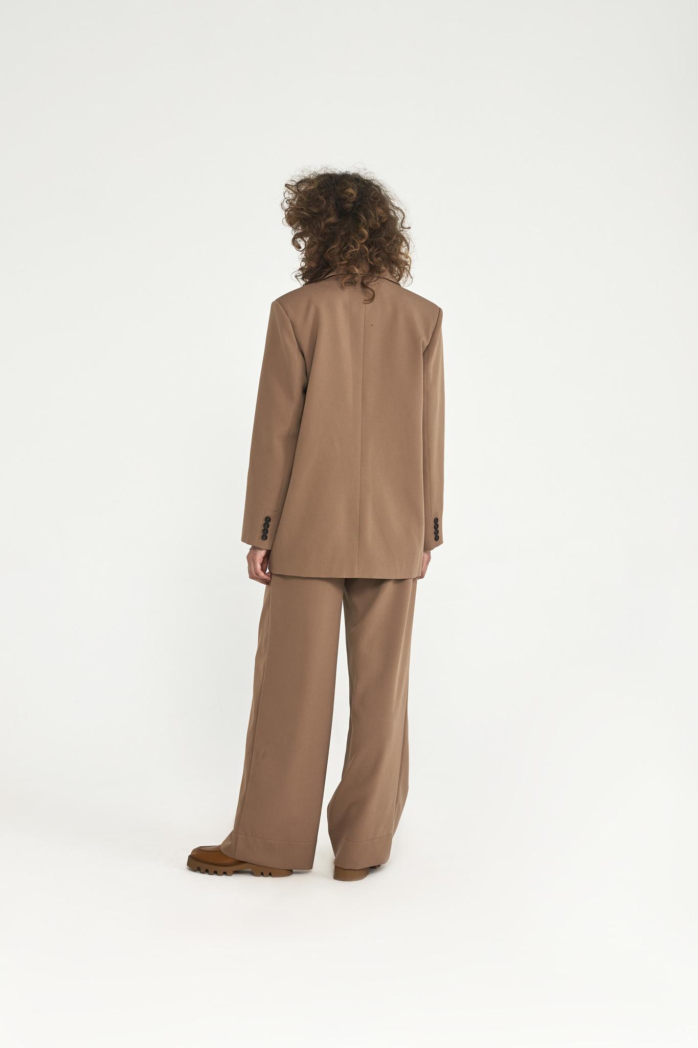 Широкие брюки с двумя складками (костюмный твил), карамель