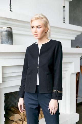Фото черный жакет без пуговиц, с карманами и длинными рукавами - Жакет Д592а-025 (1)