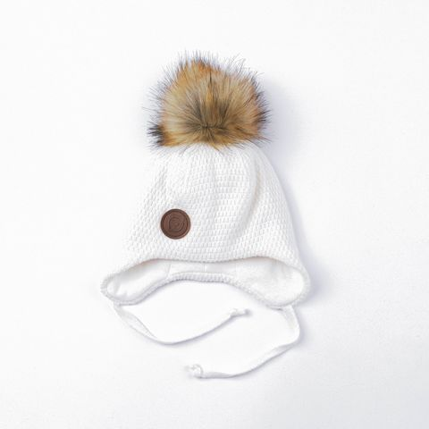 Winter hat with ties and fur pompon - Heavy Cream